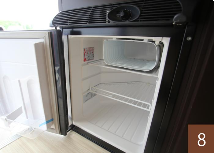 小型冷蔵庫もついています。